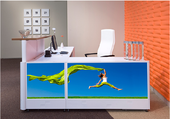 Graphic panel workstation design by Global