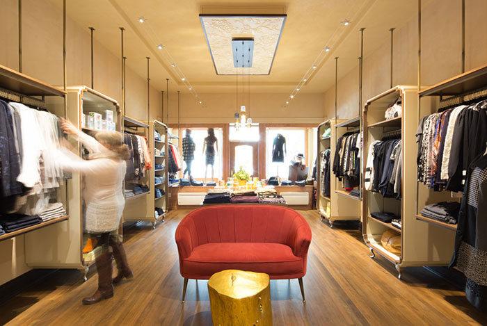 The boutique retail interior design hatch design for Interior decorating jobs retail
